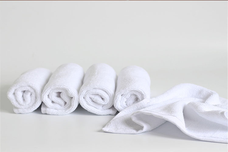 Best White Hand Towels in 2020 | Keep Your Hands Dry!