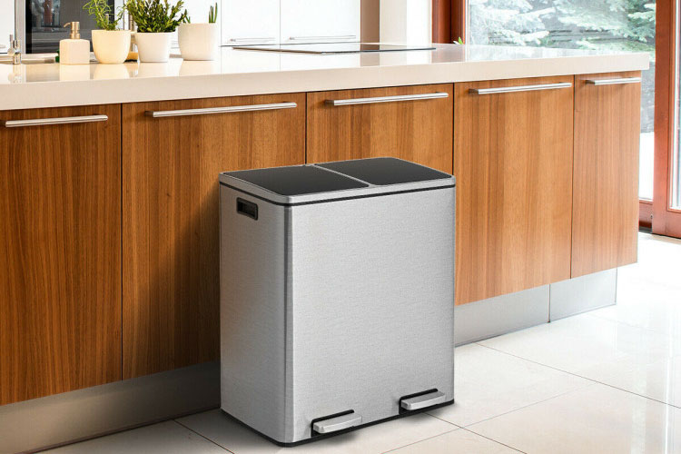 Best Dual Garbage Cans in 2020 | Manage Your Garbage in the House!