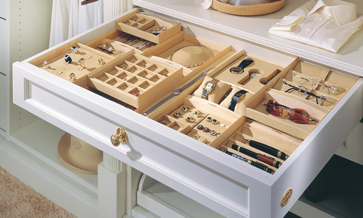 Best Jewelry Drawer Organizers in 2020 | Keep Your Things Secure