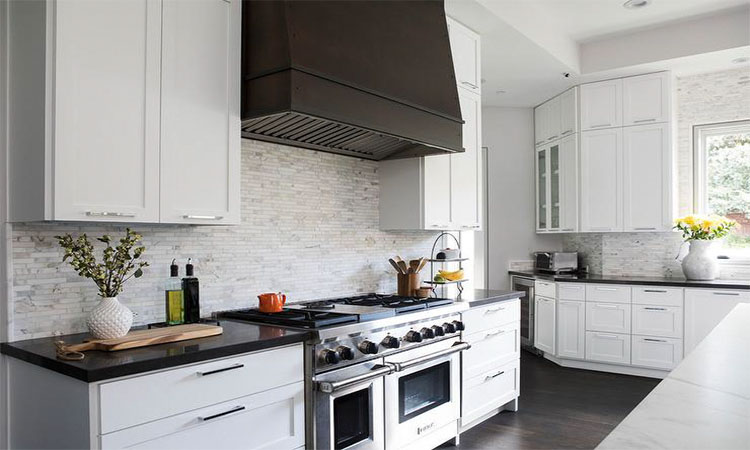 Best Kitchen Range Hoods in 2020 | Keep Your Kitchen Clean