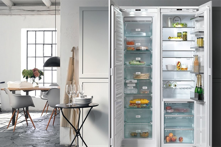 Best Fridge Freezers with Ice Maker in 2020 | Icy & Convenient