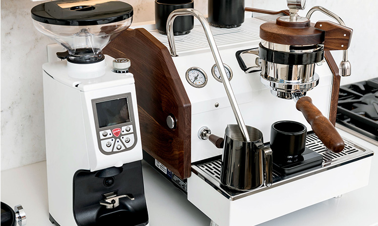 Coffee Machines with Grinder