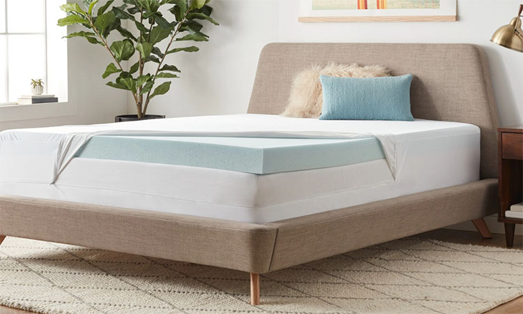 Best Memory Foam Mattress Toppers in 2020 | Reduce Difficulty of Sleep