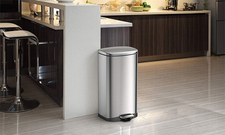 Best Electric Trash Cans in 2021 | Essential Kitchen Gadget