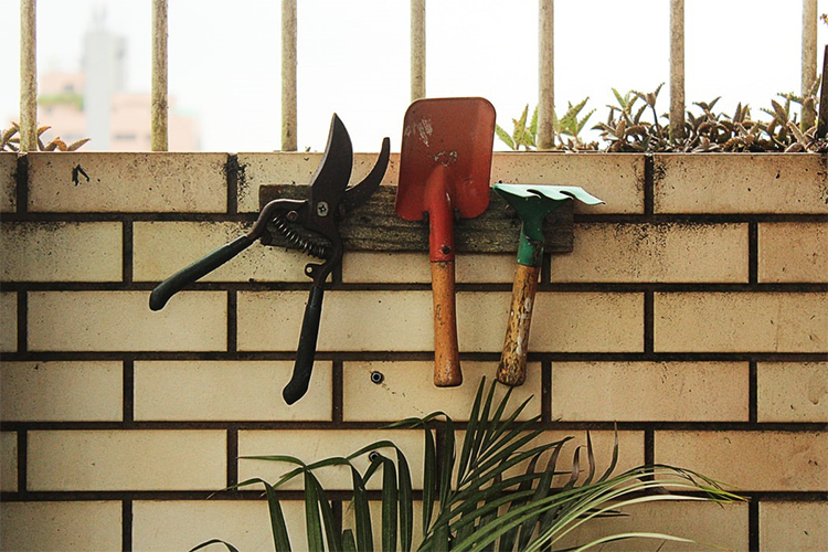 Best Garden Hoes In 2021 | Robust Outdoor Lifestyle
